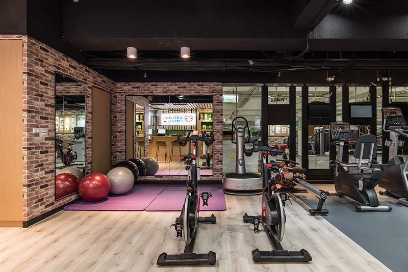 Love sports and fitness center의 사진